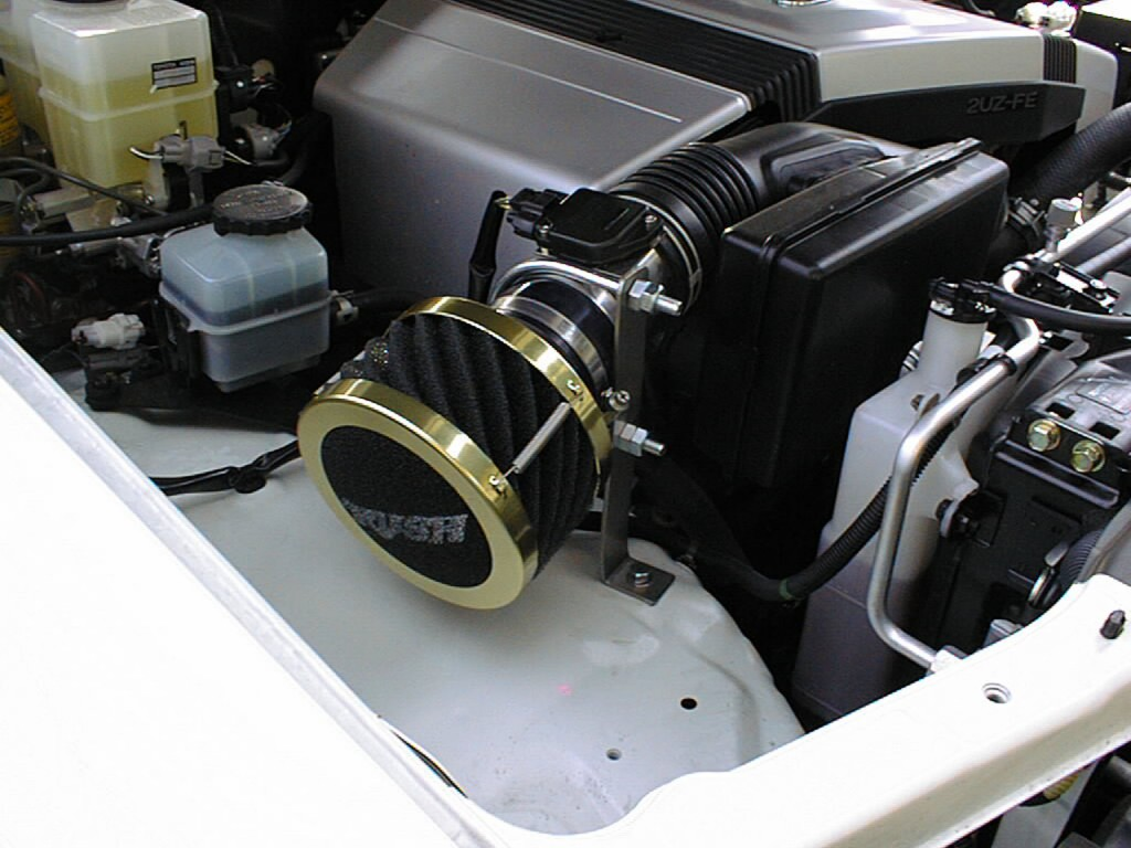 ランクル100(2UZ) ガソリン4700ccエアクリーナーを交換