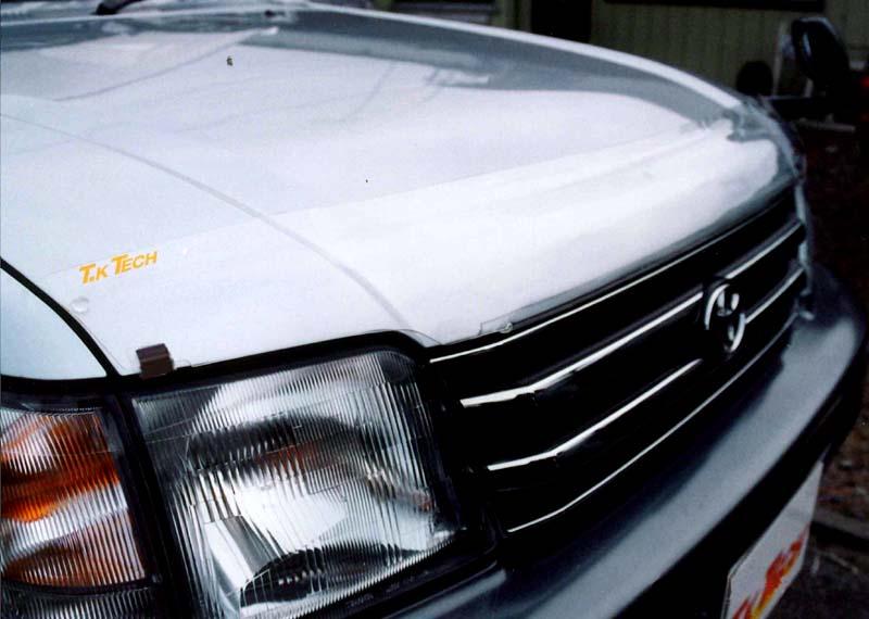 ランクル90系プラド用カスタムパーツ フロントガラスの虫を軽減バグガード『フロントプロテクター』