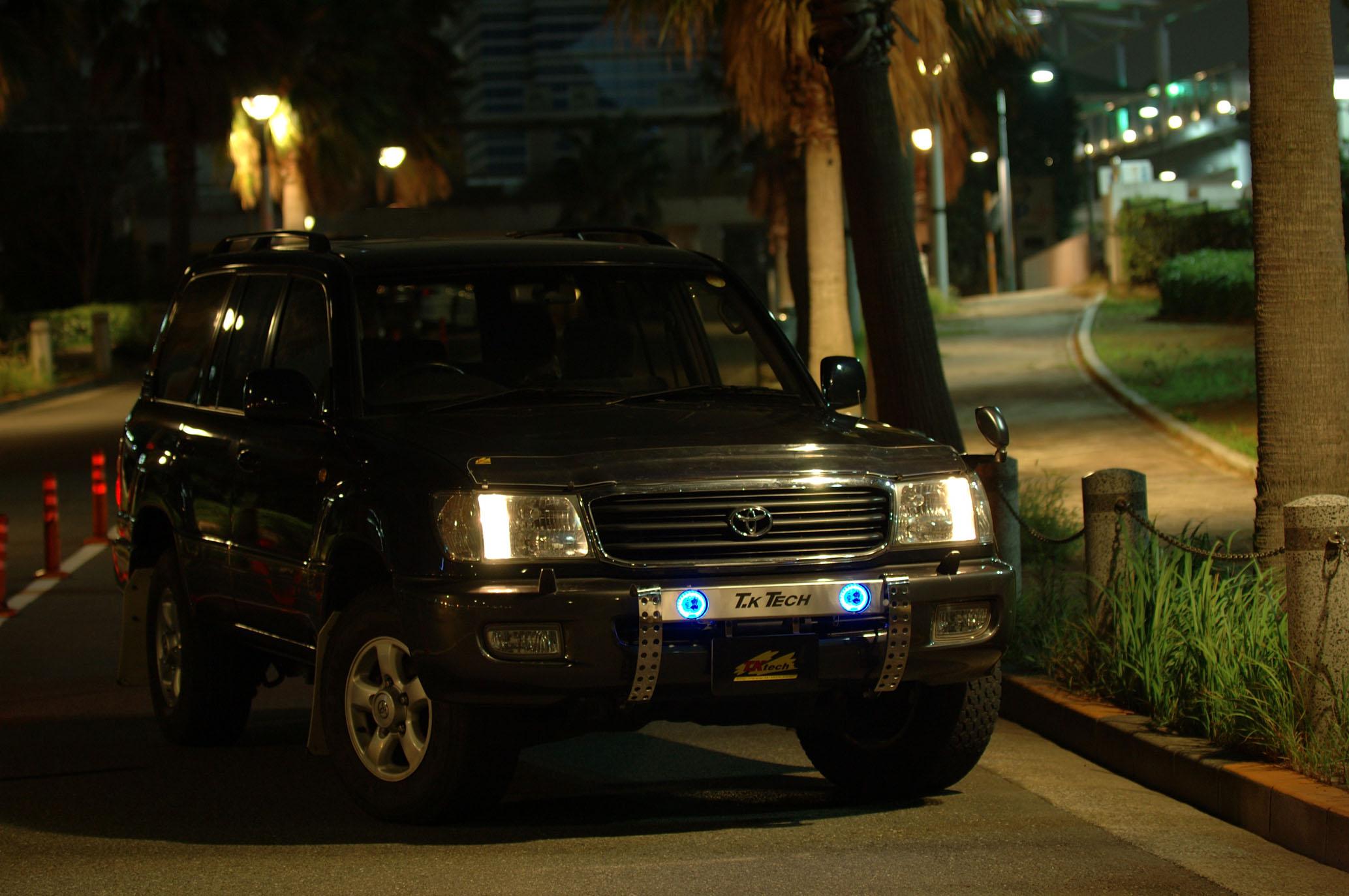 ランクル100用カスタムパーツ フォグランプ&ブルーリング内蔵ランプステー LEDDOTARM