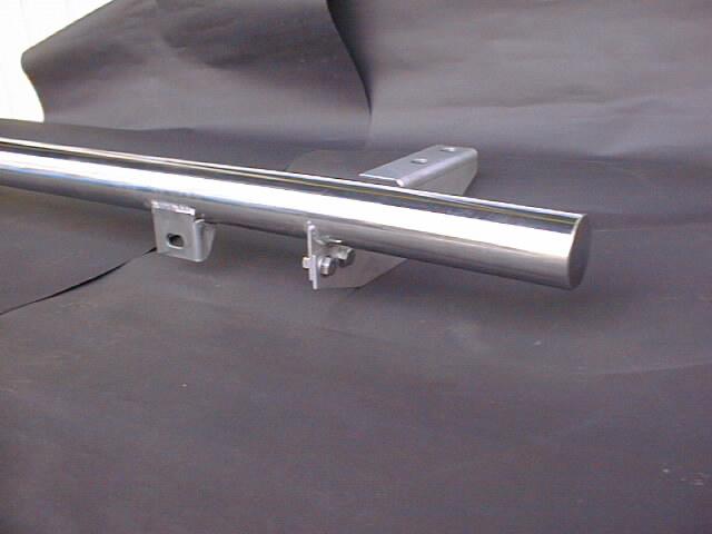 ランクル100用カスタムパーツ リヤガードバー補助ランプ取り付け部分